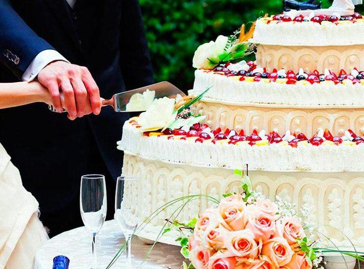 Taglio della torta - Maison Toledo